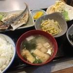 むつくら亭 - 本日の定食(¥800):あじ開
