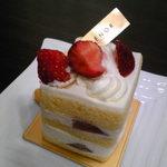 アンテノール - ショートケーキ 594円