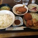 51191462 - 「日替りB定食」     ¥680-                       (ご飯は大盛り無料)
