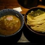 舎鈴 - つけ麺・中盛(\730)
