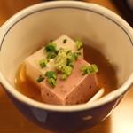 ひだまり - 先付 (春彩紅白豆腐 旨出汁)