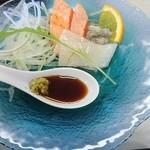 シャトレーゼ C.C.マサリカップ レストラン - イカとサーモンの刺身