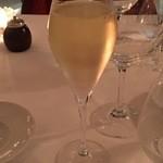 HOTEL CIPRIANI RESTAURANT - Ferrari Maximum Brutで乾杯〜♪