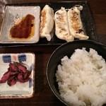 濃厚つけ麺 まる家 - 餃子セット 180円