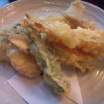 5121072 - 季節野菜の天ぷら。