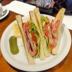 ウエストパークカフェ - モーニングB.L.T. with アボカドサンド1,110円