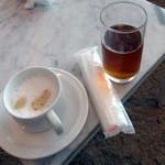 エアポートラウンジ南 - カフェラテとウーロン茶