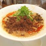 四川担担麺 阿吽 - つゆ入りのタンタン麺。辛さも山椒も三倍。