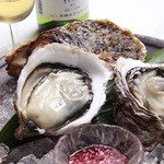 ワインとお宿 千歳 - 岩牡蠣
