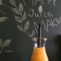 HAPPY Juice MAKER(フルーツショップカミヤ店内) - パイン・マンゴなど、夏限定のメニューもあり!