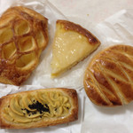 ラパン - アップルパイ、洋梨タルト、スイートポテト、ガレット
