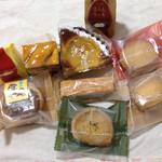 ノエル - すいーとまろん、スイートポテト、リンゴケーキ、洋梨タルト、西条の栗、ヌス、ヒマワリクッキーピスタチオクッキー、ヘーゼルナッツクッキー