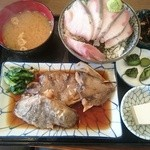 魚菜はざま - 銀ダラの煮付け定食 小丼付き 1600円