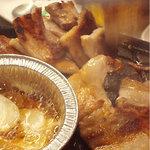韓国料理 貝料理専門店  海家  - 焼けた豚バラ肉。