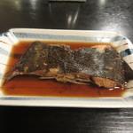 三松会館 - 煮魚 かれい 670円 (2016.5)