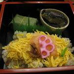 柿の葉寿し 柿吉 - 「柿吉点心」ちらし寿司、小鉢、柿の葉寿司