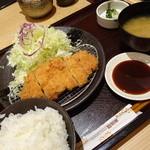 51241037 - 和幸御飯(843円)ご飯、キャベツ、味噌汁お代わり自由