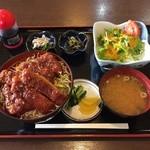 亀八 - ソースかつ丼¥900
