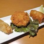 湘南ダイニング TAMARU - ちょい呑み:湘南みやじ豚のおススメ3種盛り