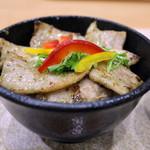 妙高サービスエリア スナックコーナー(上り線) - 料理写真:バジル塩麹の妻有ポーク丼