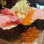 51243700 - こぼれ寿司