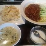 Chainadoru - CHINA DOLL ジャージャ麺と半炒飯