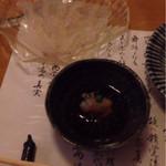 51246521 - ふぐ刺し:日本酒と好相性