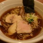 今日から - 料理写真:魚介スープの杉樽(スギタル)しょう油ラーメン@700円