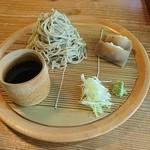 文治郎 - お蕎麦のみは蒟蒻寿司2個付いてます。