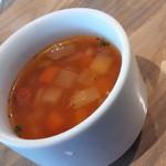 51252120 - スープは具沢山
