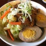 台湾小吃 花蓮 - 魯肉飯 甘辛く煮付けた豚肉に八角の香りが美味しい。