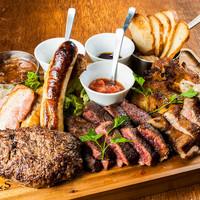 肉が旨いカフェ NICK STOCK - 話題の肉盛り!総重量1kg「NICK VILLAGE」