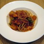 フジマル食堂 - パスタセット(タコと大根とオリーブのトマトソース)