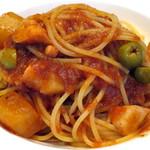 フジマル食堂 - タコと大根とオリーブのトマトソース