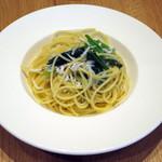 フジマル食堂 - パスタセット(しらすとほうれん草のオイルソース)
