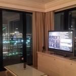ホテル ラ・スイート神戸ハーバーランド - 部屋内部 夜
