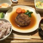 51271367 - 煮込みハンバーグ定食695円(税込)