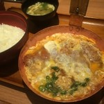 祭太鼓 - 特ロースかつ丼、2個玉子、味噌汁(2015,8)
