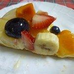 キル フェ ボン 銀座 - 季節のフルーツのタルト