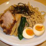 ○寅 - 味玉つけ麺(\900)