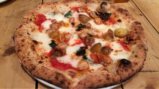 クオーレルディーノ - 鳥もも肉と新じゃがいもローズマリーのピッツァ