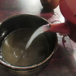 寺方蕎麦 長浦 - 蕎麦湯を注ぐ(2016/5)