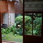 飯田 - 坪庭