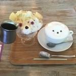 サンデコ珈琲 - アイスコーヒーをかけ黒熊に変身。