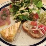 ワイン食堂 Matsu - 4種のタパスとサラダ