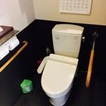 煉瓦屋 - トイレは広々としたバリアフリーです。