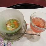 51294124 - 【食前酒】 桜んぼわいんと、【先付】長芋素麺
