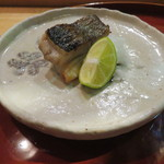 酒斎 伊とう - 焼物:イサキ、酢橘で1