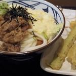丸亀製麺 - 麦とろ牛ぶっかけうどん