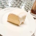 カフェ ド ロペ - 「シラセ」のサンドケーキ